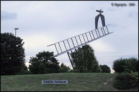 Porte Farman à Cormontreuil (51)
